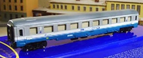 Eurorail Models - GC di seconda classe con tendine abbassate