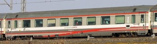 29-90 470-9 B - GC ex compartimenti divenuta carrozza di seconda classe, livrea ESCI - FOto © Manuel Paa da trenomania