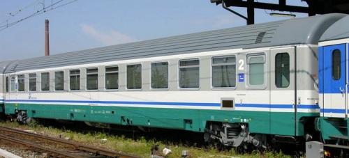 29-90_255-4_B -Z1 ex seconda a compartimenti , alla ritirata - Foto © Massimo Rinaldi da railfaneurope