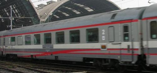 Altra vista della 85-90_000-5_BR lato ritirata in livrea ESCI - Foto © Massimo Rinaldi da railfaneurope