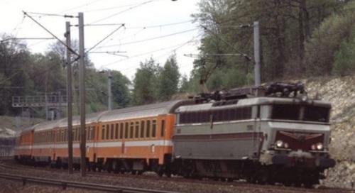 Treno in livrea C1 in Francia (foto da drehscheibe-online.de)