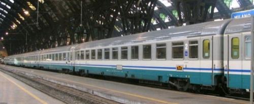 Convoglio in livrea ECI a Milano nel settembre 2006 - Foto © Antimo Bucciero da Trenomania