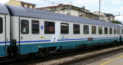 19 90 016-2 A livrea XMPR fascia bianca - Foto © Ernesto Imperato da trenomania