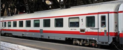 19-90 367-9 A - GC ex compartimenti, livrea Frecciabianca, lato opposto alla ritirata - FOto © Manuel Paa da trenomania