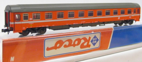 Carrozza ROCO FS di seconda classe, logo inclinato