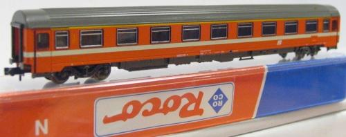 Carrozza ROCO FS di prima classe, logo inclinato
