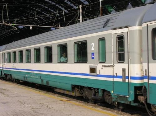 29-90 000-4 B GC 1985 ex compartimenti,senza scritte - lato ritirata - Foto © Massimo Rinaldi-da railfaneurope