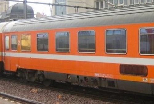 Posizione delle griglia sulla Eurofima di seconda classe: tra il 5o e il 6o finestrino