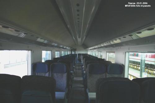 Interni di una seconda classe - Foto E.Imperato da trenomania