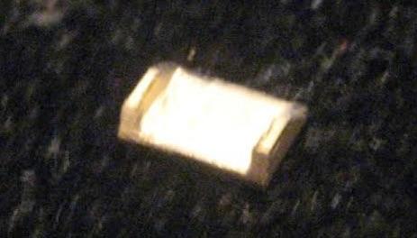 particolare del rovescio di una condotta ai cilindri. Ricavata dal pieno 5x3x1,5 mm :
