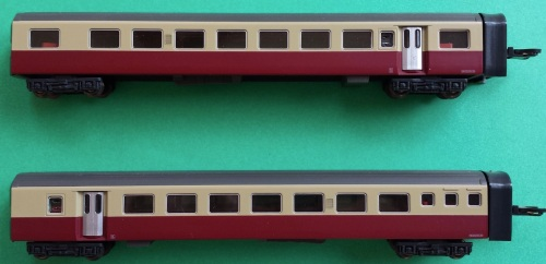 I due lati delle carrozze passeggeri del RAe