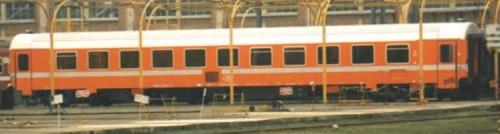 L'altro lato di una carrozza di seconda classe Tipo I10 della SNCB - Foto da hwww.lsmodels.com