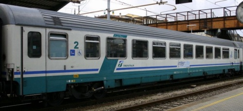61 83 28 90 038-5 BH - InterCity Plus, lato ritirata - Foto © E. Imperato da trenomania