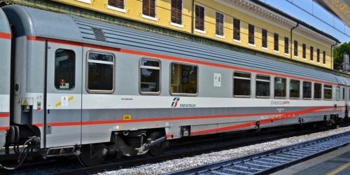 61 83 85-90 091-4 BHR - Foto © Russo Vincenzo da fotoferrovie.info
