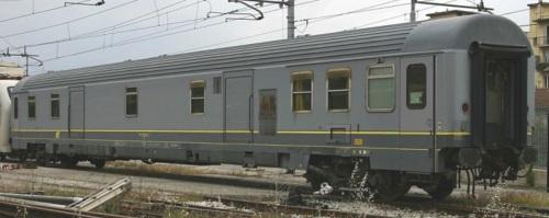 Bagagliaio Tipo UiC-Z 51 83 95-90 117-7 D a Firenze nel 2004 - Foto © Ernesto Imperato da trenomania