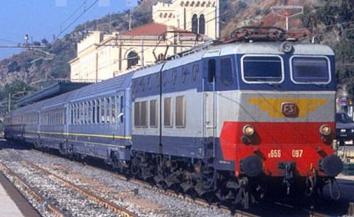Convoglio interamente in bigrigio a Taormina nel 1997 - Foto Stefano Paolini da photorail.com