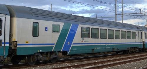 BRH 61 83 85-90 201-8 in livrea XMPR - Foto © Vincenzo Russo da trenomania