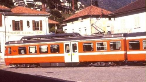 Be4:8 della FART-SSIF a Locarno nel 1987 - Foto © G.Luckmann da www.polier.ch