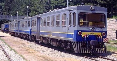M4.400- delle Ferrovie Calabro Lucane (FCL) a Camigliatello - Foto da 2.bp.blogspot.com