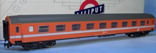 Modello Liliput H0 di una ÖBB-SRmoz ex K-Wagen