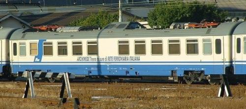 Vmis_61_83_99-90_032-2 -Foto © Massimo Rinaldi da railfaneurope.net