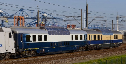 La 001 e la 002 a Rotterdam nel 2013 in occazione di un convoglio speciale - foto © Maarten vd W da drehscheibe-online.de