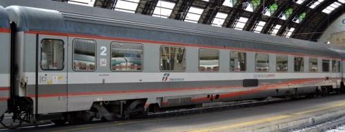 Eurofima 61 83 29-90 024-4 B in livrea ESCI - ex 1a classe, lato ex corridoio Foto © Vincenzo Russo da fotoferrovie.info