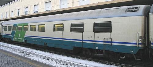 61 83 88 90 011-9 WR in livrea XMPR-SelfService - Foto © E.Imperato da trenomania