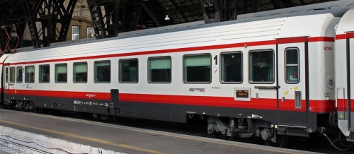 61 83 19-90 421-4 -0 A - Prima classe ex GC Salone in livrea Frecciabianca - Foto © Manuel Paa da trenomania