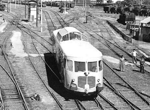 ALtn.444.3001 nel 1948 a Milano (Prota Romana), Foto © OM da photorail.com
