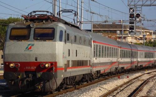 E.444.029 in livrea ESCI in testa ad un EuroStar City Italia - Foto © Paolo Fanelli da trainzitaliafoto