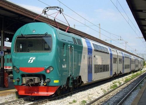 TAF 64 in livrea FS con fascione antiinfotunistico - Foto CC Maurizio Messa da WikiMedia