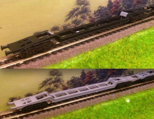 I carri Uai Fratix: in alto la versione nera, in basso quella grigia