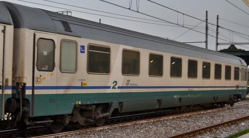 61 83 29-90 034-3 B, Eurofima ex prima classe revampizzata nei Progetti IC xxx - Foto © Russo Vincenzo da fotoferrovie.info