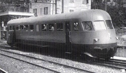 Aln 56.4001 nell'estate 1939 in corsa di prova a Rapallo. Foto © Ansaldo, tratta da marllinfan.com