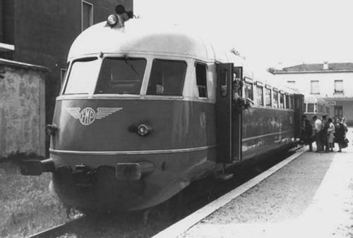 FMP ALn 68.401 a Peschiera nel 1967 - foto © Alessandro Muratori da www.webalice.it/almurato