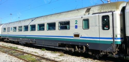 BHR 61 83 85-90 030-2, ex Frecciabianca ripellicolato XMPR - Foto © Andrea Fava da ferrovie.it