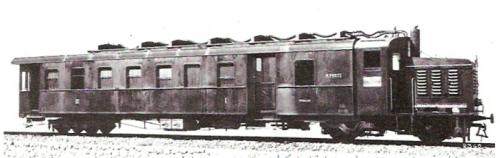 """Automotrice termica italiana. Si nota la scritta """"R. Poste"""" sulla fiancata. Foto dal forum di ferrovie.it"""