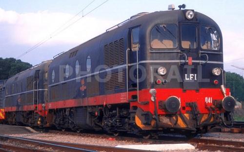 Le due D.341 di LFI (1041 e 1063) ad Arezzo nel 1996 - Foto © Stefano Paolini da photorail.com