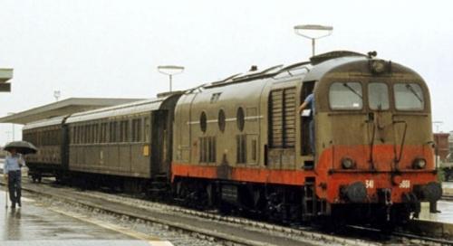 D.341.5001 a SIbari (CS) nel 1984 - Foto © Roberto Cocchi da marklinfan
