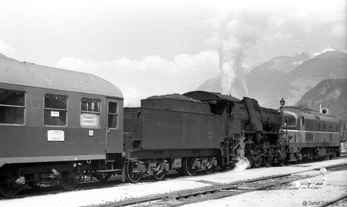 FS 741 320 + una D 341 a Brunico il 19.4.1976 - Foto © Detlef Schikorr da www.drehscheibe-online.de