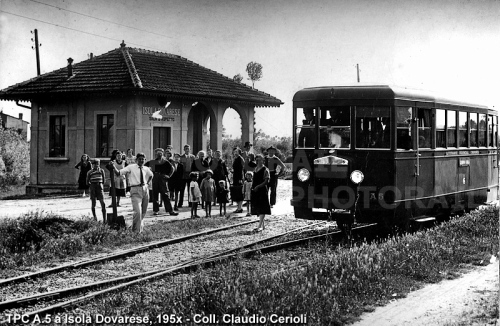 TPC A5 a Isola Dovarese negli anni '50 - Foto Coll. Claudio Cerioli da photorail.com