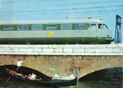 """Rialto Milano-Venezia - Da Voci della Rotaia 1969 - tratto da """"Le foto di Corrado"""""""