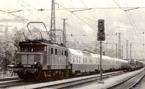 Mediolanum a Wörgl nel 1973 trainato da una ÖBB 144