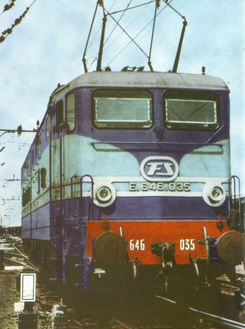 """E.646.035 nei colori """"Treno Azzurro"""". Foto dal forum ferrovie.it, post di pamwagner"""