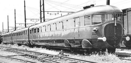 L'altra fiancata dell'ATR100, foto Ministero dei Trasport 1957, da photorail.com