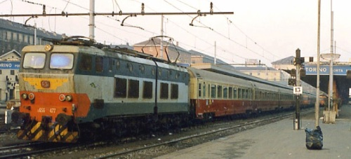 E.656.477 con le GC TEE a Torino nel Dicembre 1989 - Foto © Paolo Zanin da www.photorail.com