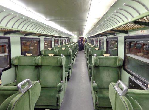 ETR.232, interni di una delle carrozze di prima, Foto © Friedrichstrasse da wikipedia