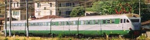 L'altro lato dell'ETR.232 nel 1997 a ROma - in primo piano le carrozze 1 e 2