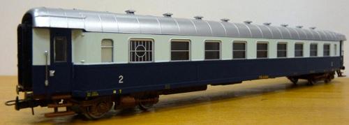 Modello Rivarossi H0 di una Bz 45.000 con comparto ristoro, foto da http;//valestelor.altervista.org/